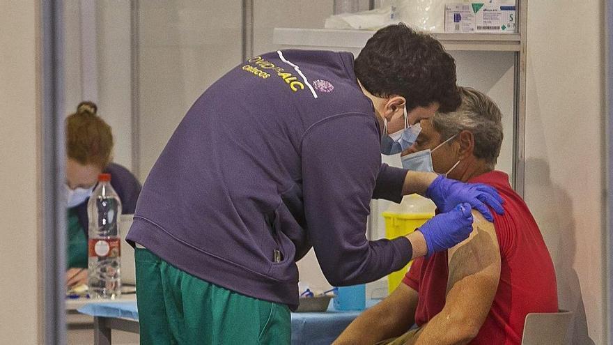 Investigadores crean un sistema de alerta pionero para detectar infecciones de covid en vacunados