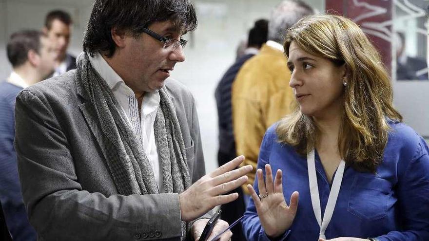 El Gobierno admite que celebra contactos para desatascar la situación en Cataluña