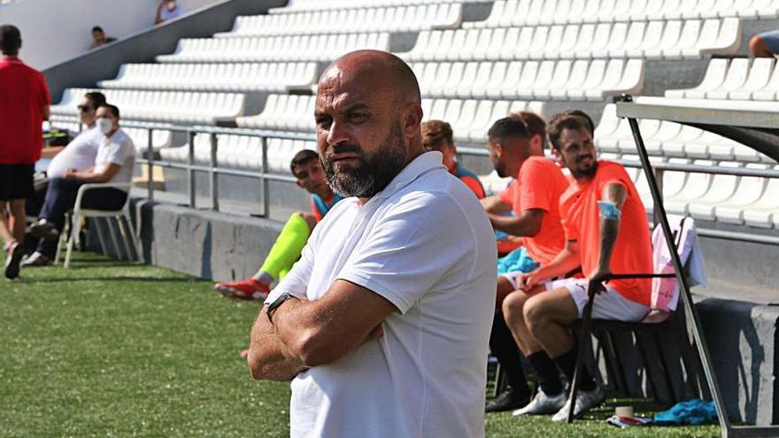 Manolo González: «Dejamos el partido sin matar, abierto,     y eso te condiciona»