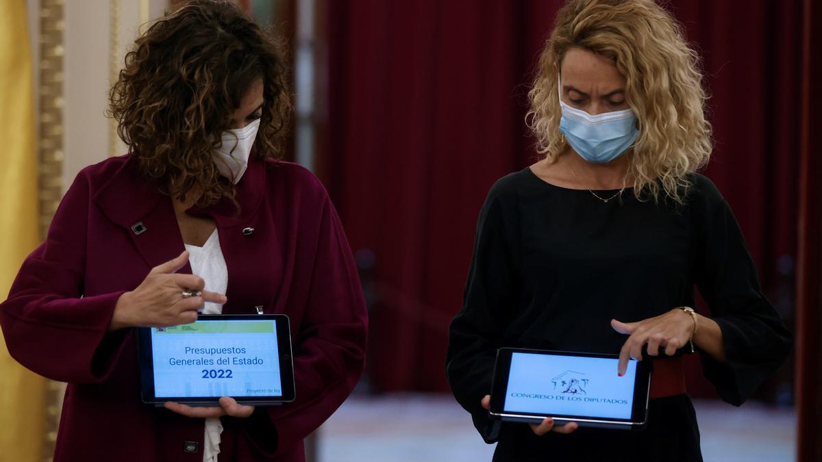 Montero y Batet en la presentación del proyecto de Presupuestos Generales del Estado para 2022.