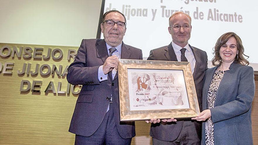 Las empresas del turrón de la provincia de Alicante celebran su gala anual