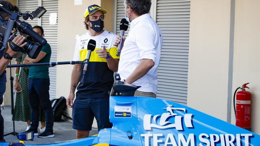 Alonso vuelve a pilotar el Renault con el que ganó su primer Mundial