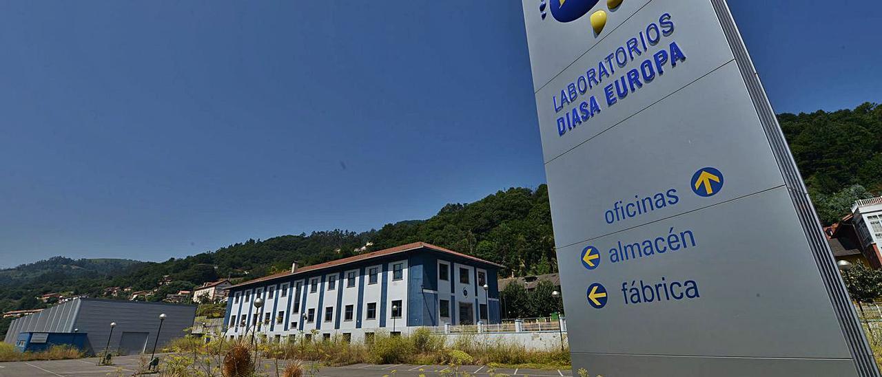 Las instalaciones de Diasa Pharma, en el polígono de La Cuadriella (Turón).