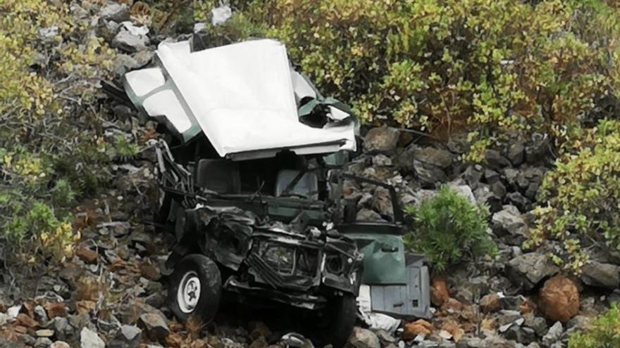 Muere el conductor del coche que se precipitó por un barranco en Gáldar (13/06/21)