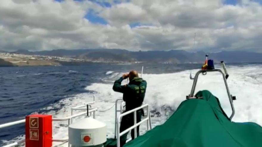 El oceanográfico vigués rastrea ya las profundidades de Tenerife en busca de pistas de las niñas