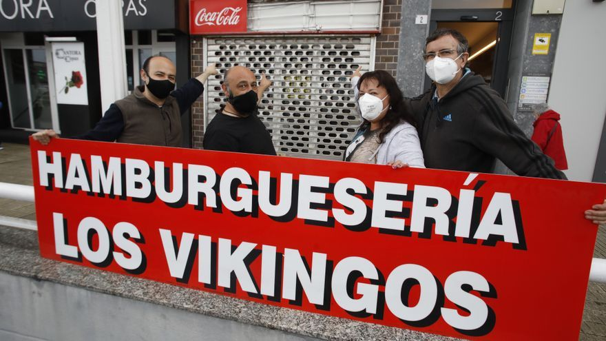 """El melancólido adiós de la hamburguesería Los Vikingos: sus dueños se """"mudan"""" al local de al lado"""