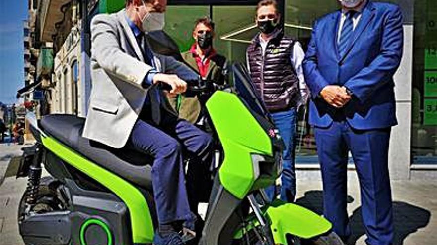 Silence inaugura su primera tienda en Galicia de motos eléctricas