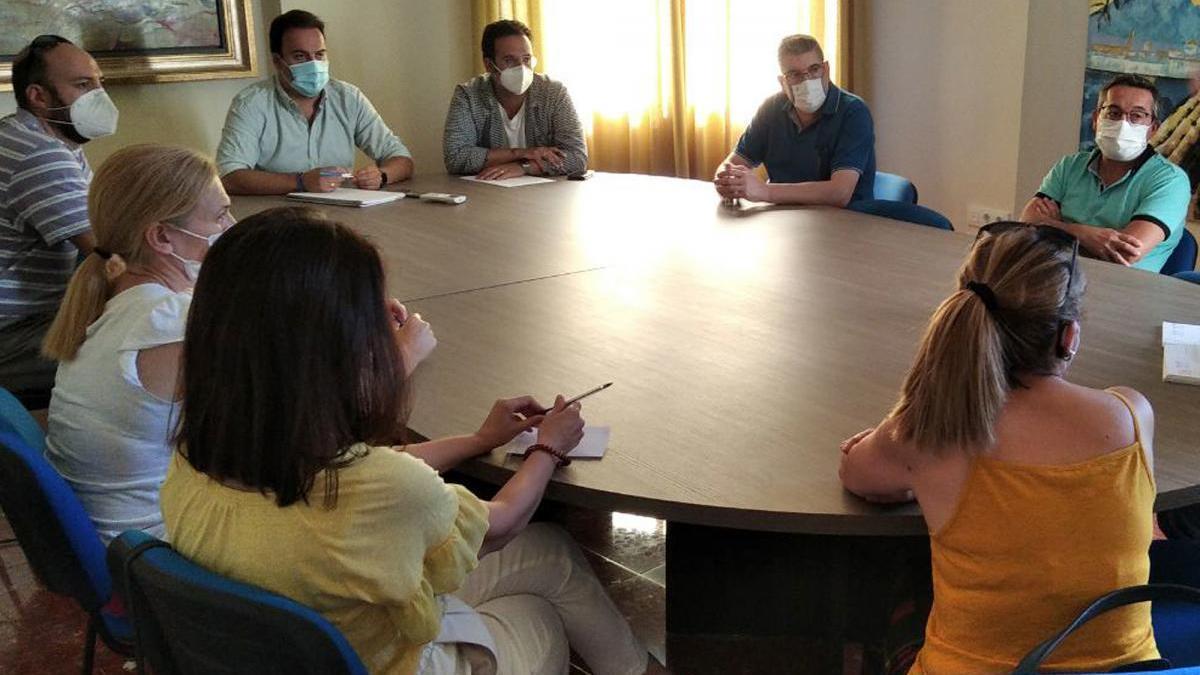 Priego, Almedinilla y Carcabuey abren en la comarca una bolsa de trabajo de personal sanitario