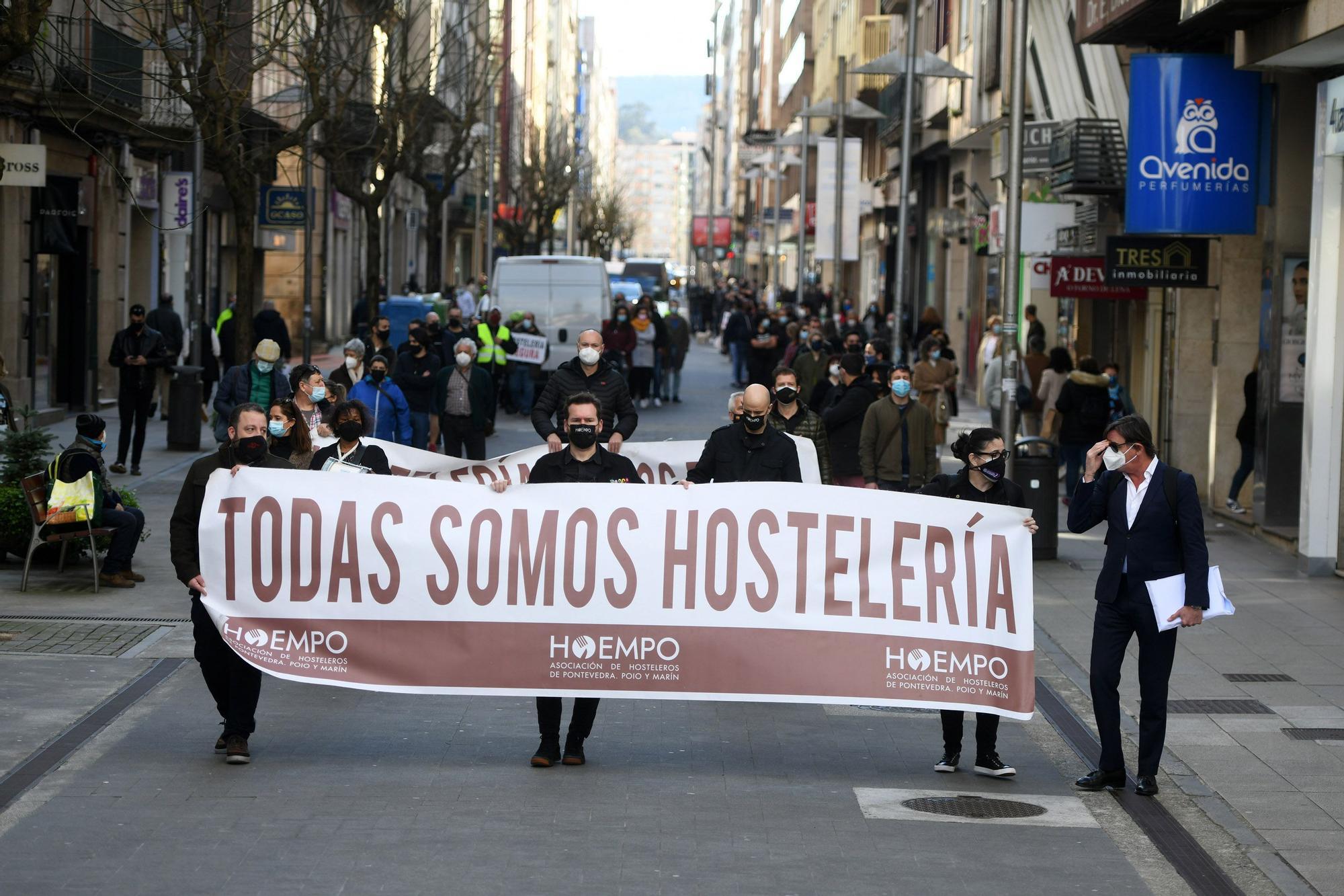 """La hostelería de Pontevedra no abandona el luto ante la falta de un """"rescate real"""""""