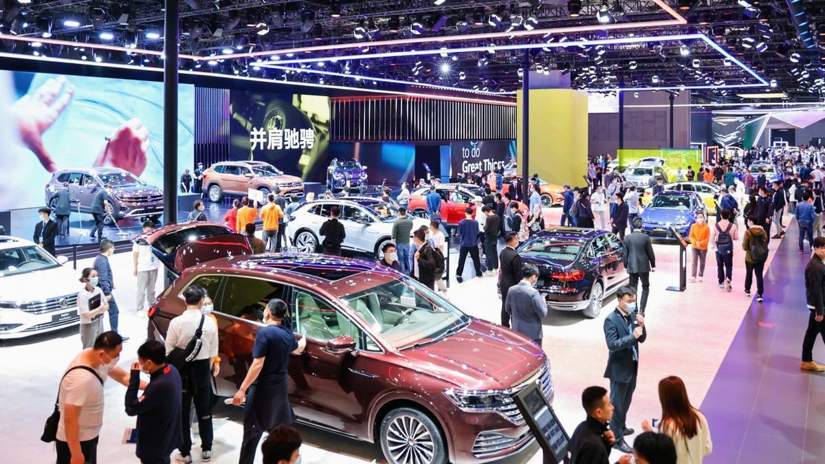 El público vuelve al Salón del Automóvil de Shanghái 2021