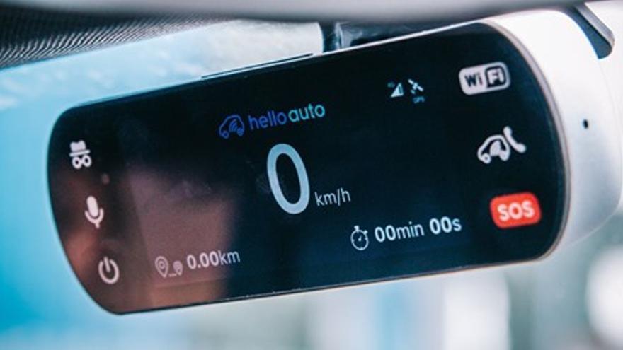 Hello Auto Connect, el copiloto inteligente que graba todo lo que sucede al volante