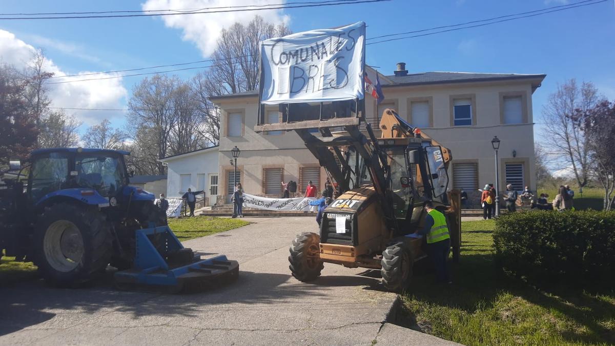 Protesta de Comunales Libres contra el parque fotovoltaico