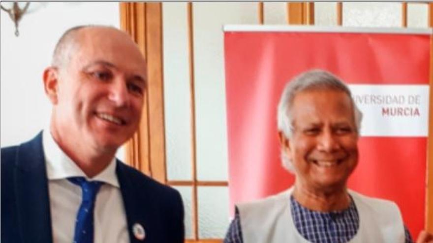 La UMU se asocia al Nobel Muhammad Yunus para promover empresas sociales