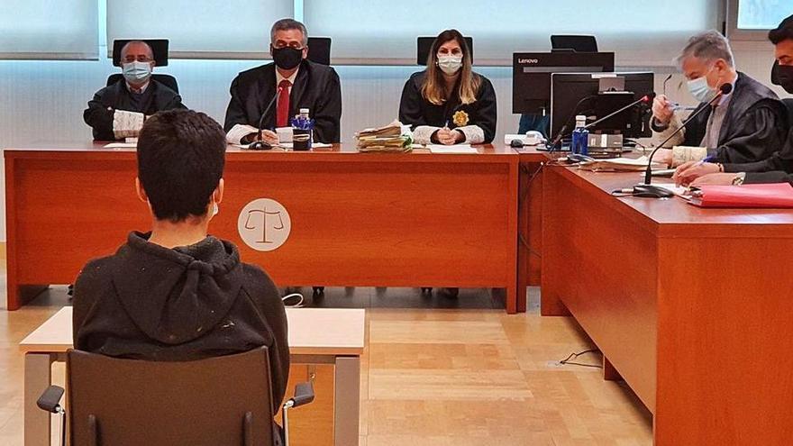 Cinco años de cárcel por apuñalar a un compañero de clase por insultar a Mahoma