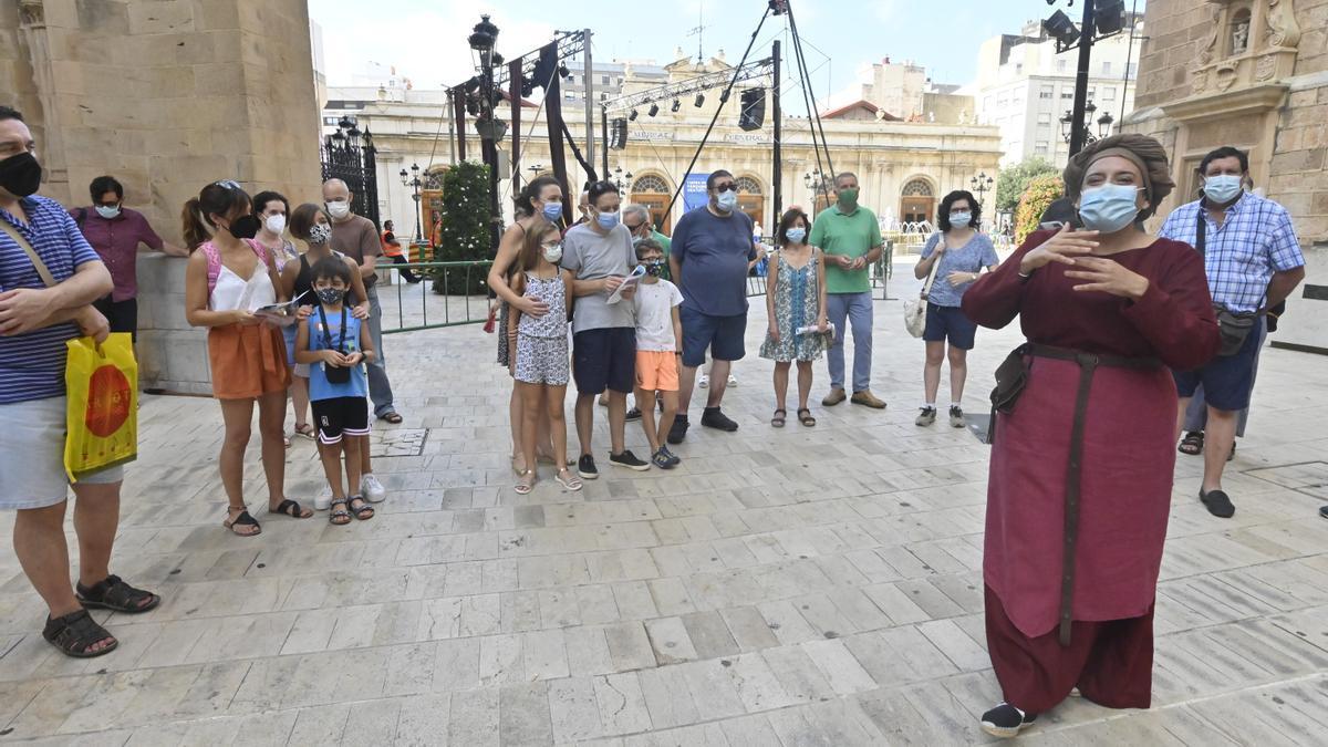 Un momento de la visita teatralizada, este domingo por la mañana, con motivo del 770 aniversario.