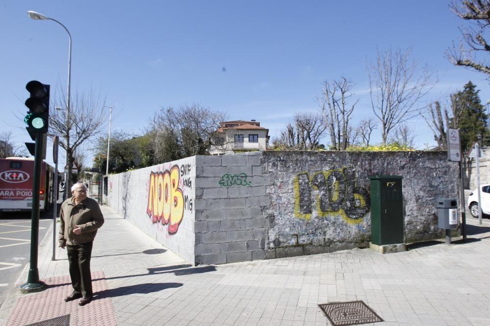 Muro en la plaza de España. Interviene Cestola na cachola.