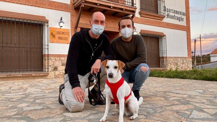 El perro influencer está en Monfragüe