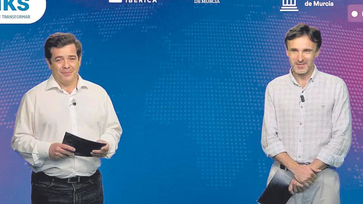 Francisco Javier Párraga (I) y Jorge García Montoro (D) presentaron la ponencia magistral de 'i-Talks Turismo 5.0'. L.O.