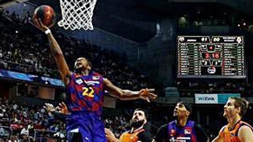 Cory Higgins guia el Barça  a la final de la Supercopa  contra un lluitador València