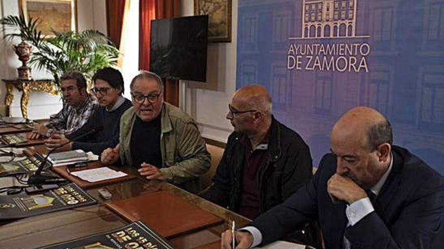 El Ayuntamiento busca el consenso social en torno al nuevo Mercado de Abastos