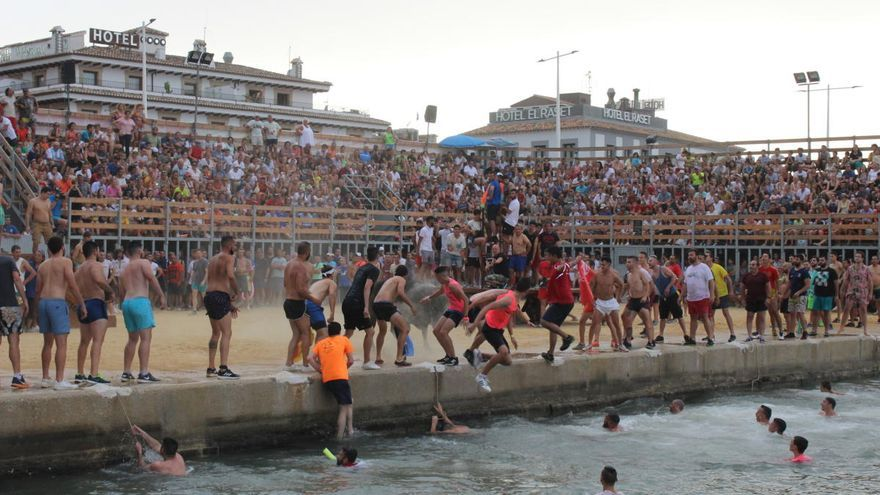 "Dénia suspende su ""Festa Major"" y los ""Bous a la mar"""
