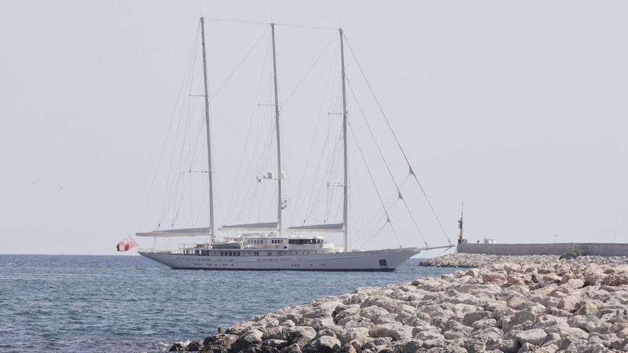 El 'SY Athena', uno de los veleros más grandes del mundo, recala en el Club de Mar