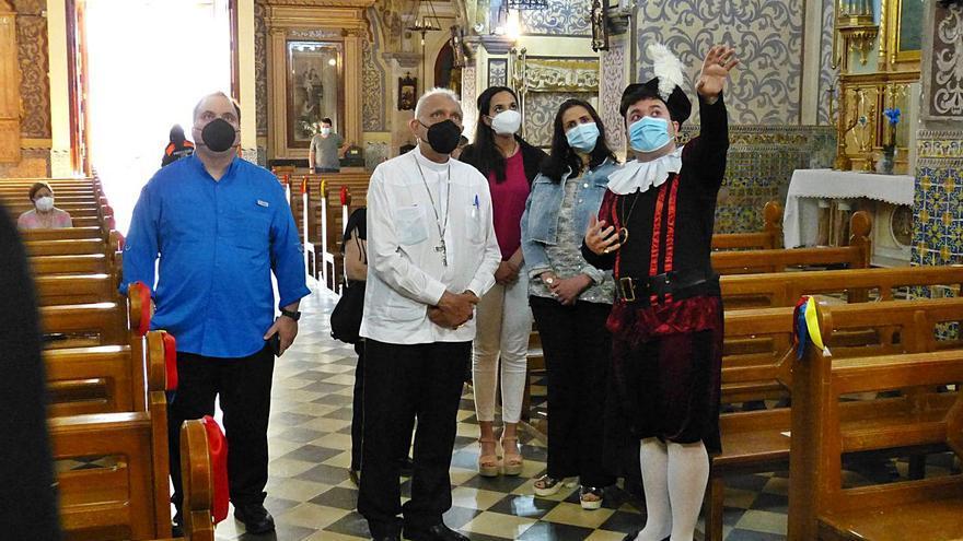 El arzobispo de Caracas entrega a Llombai la reliquia de un beato venezolano