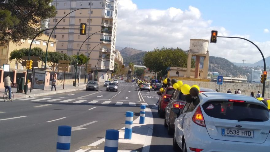Nueva caravana de los interinos y temporales de la administración por las calles de Málaga