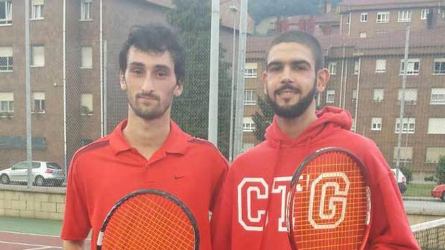 """Javier Campos, campeón del Torneo """"El Retorno"""" del Club de Tenis de Mieres"""