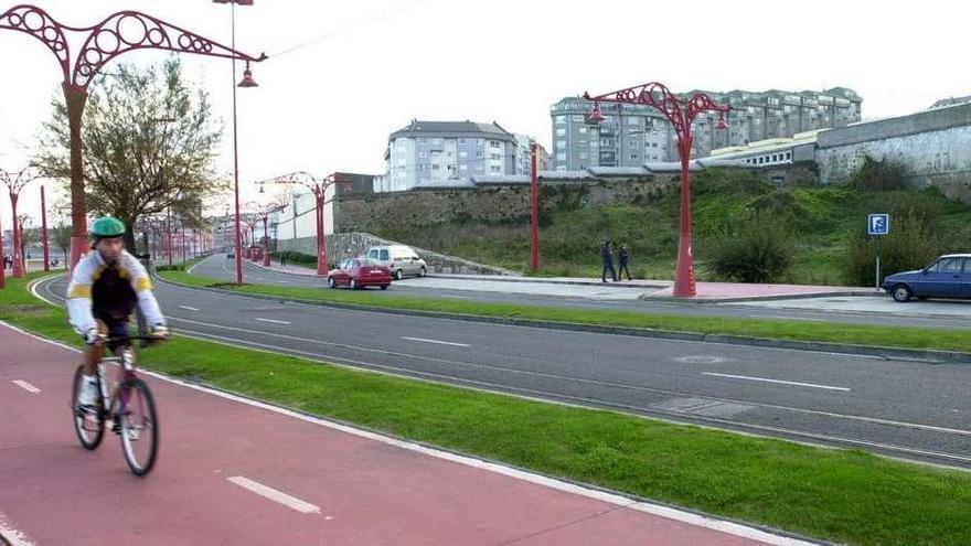 El Concello renovará las farolas del paseo entre el Acuario y San Antón
