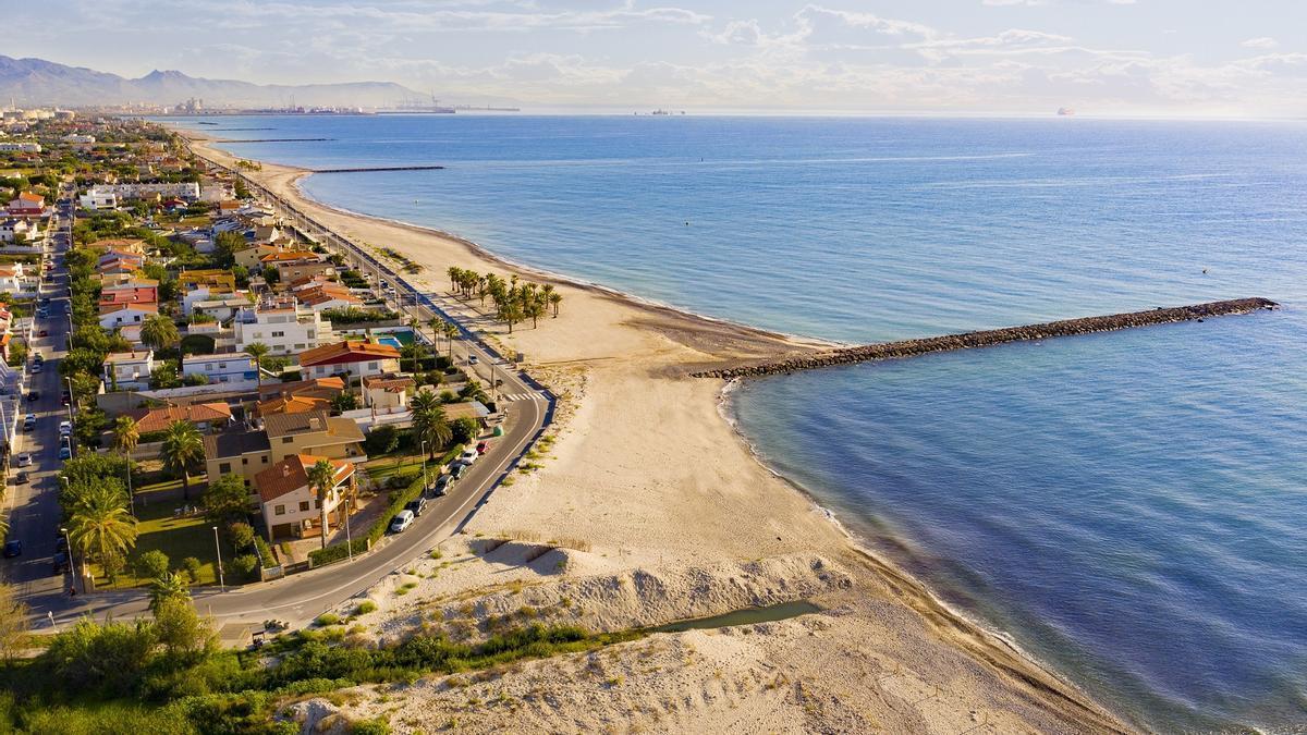 Imagen aérea del litoral de Almassora, uno de los puntos a los que se dirige el plan anunciado este jueves por el Consell.