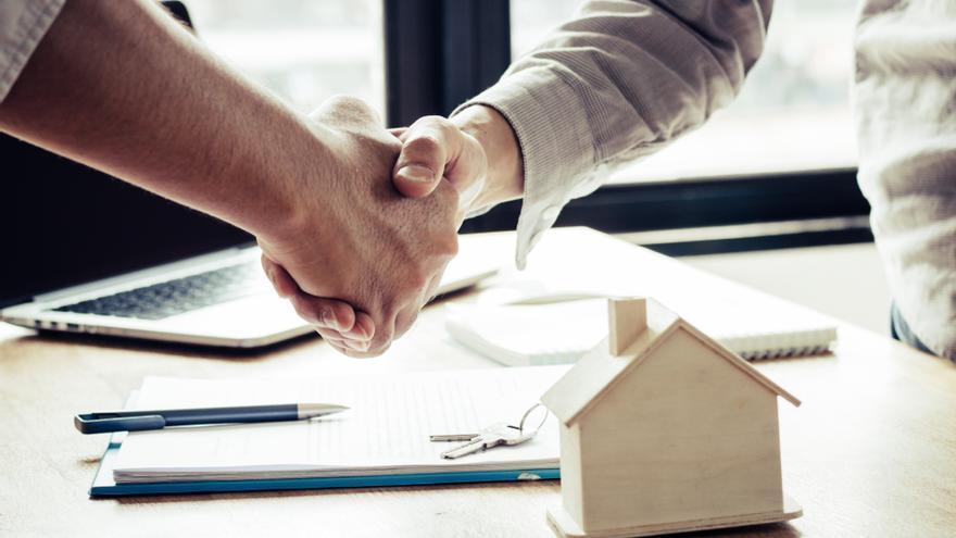 La firma de hipotecas se dispara un 32,1% en abril y suma dos meses de ascensos
