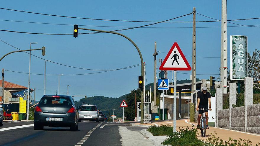 Una carretera que vuelve a separar familias en A Pantrigueira