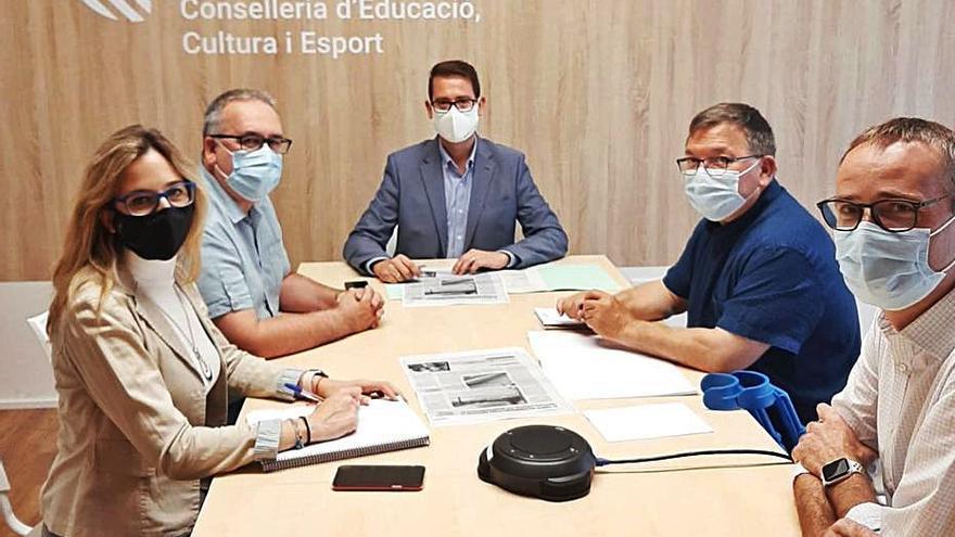Villalonga logra  tres millones para  el colegio y el instituto