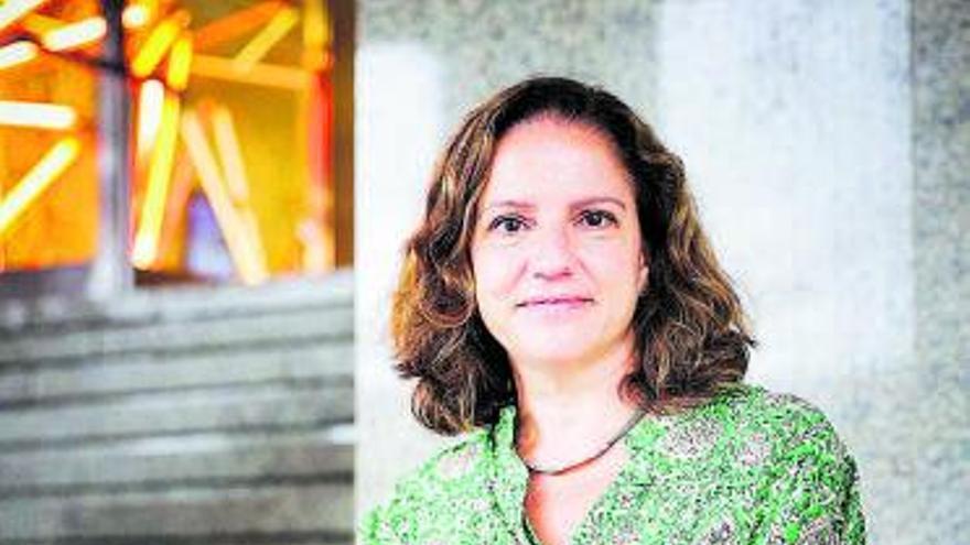 Maite Menéndez: «Es difícil que  vuelva a ocurrir  lo de las preferentes, ahora hay más controles»