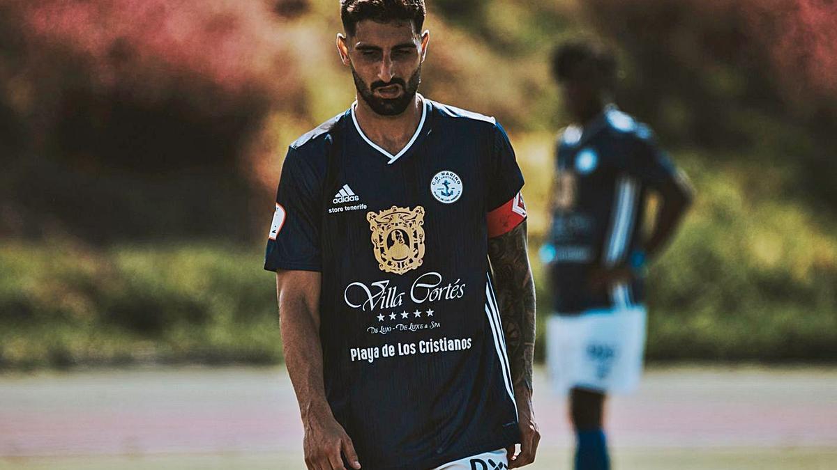 Javier Saavedra Reyes (20/10/1994), jugador formado en el Laguna, cumple su sexta temporada en el Marino.