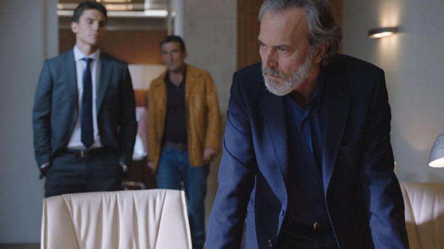 Carlos Hipólito y Ricardo Gómez, centro de las bromas por su aparición en 'Vivir sin permiso'