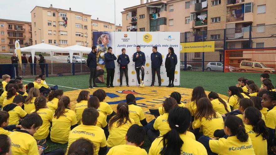 El Cruyff Court de Banyoles pretén ser una via d'inclusió i cohesió social