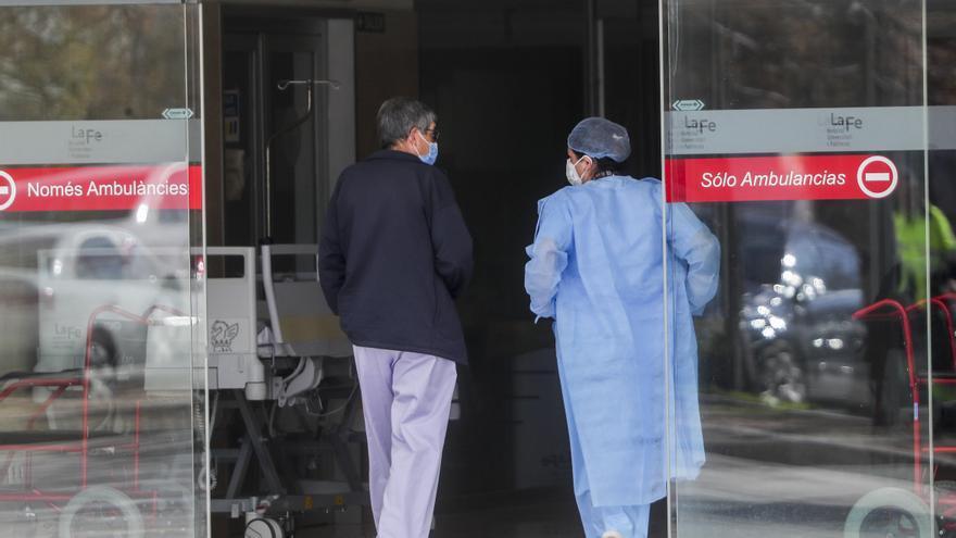 La tercera ola de la covid eleva a 70.369 las personas en espera para operarse