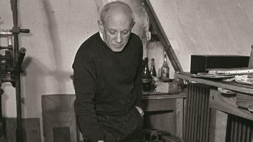 Picasso y Óscar Domínguez unidos por un objeto surrealista