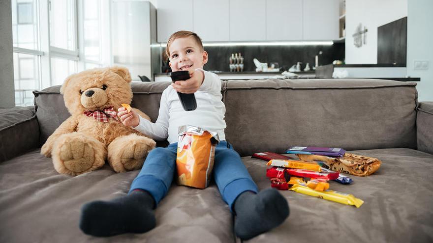 Cero pantallas hasta los dos años y máximo 1 hora para niños entre 3 y 4 años
