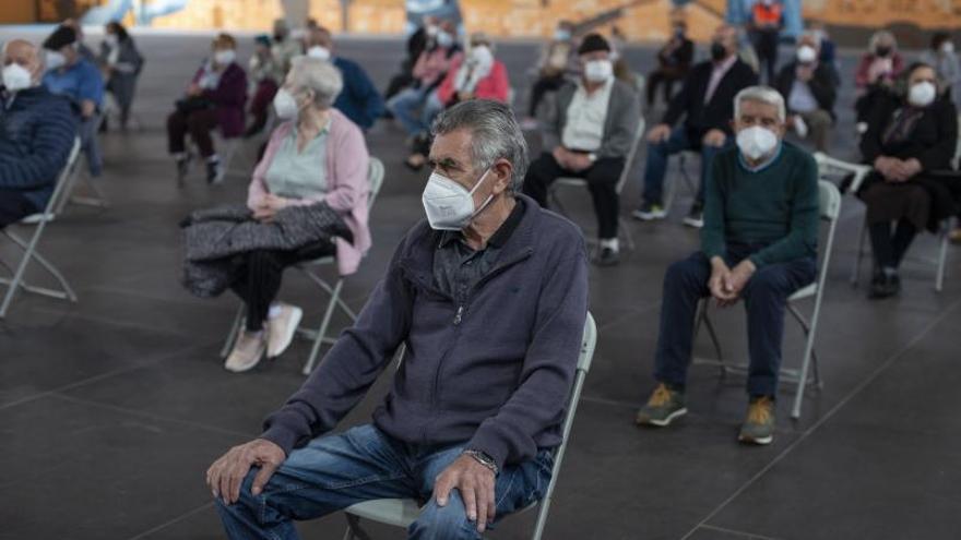 La cancelación de AstraZeneca en menores de 60 años deja en suspense a 10.700 ourensanos