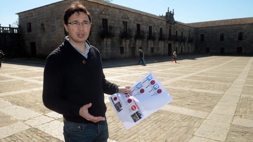 José Ramón Abal matiza que fue la alcaldesa quien suprimió los turnos policiales de noche