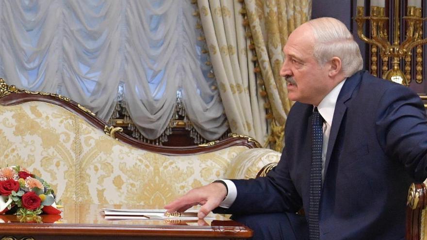 Lukashenko afirma que dejará la presidencia cuando se apruebe la nueva Constitución