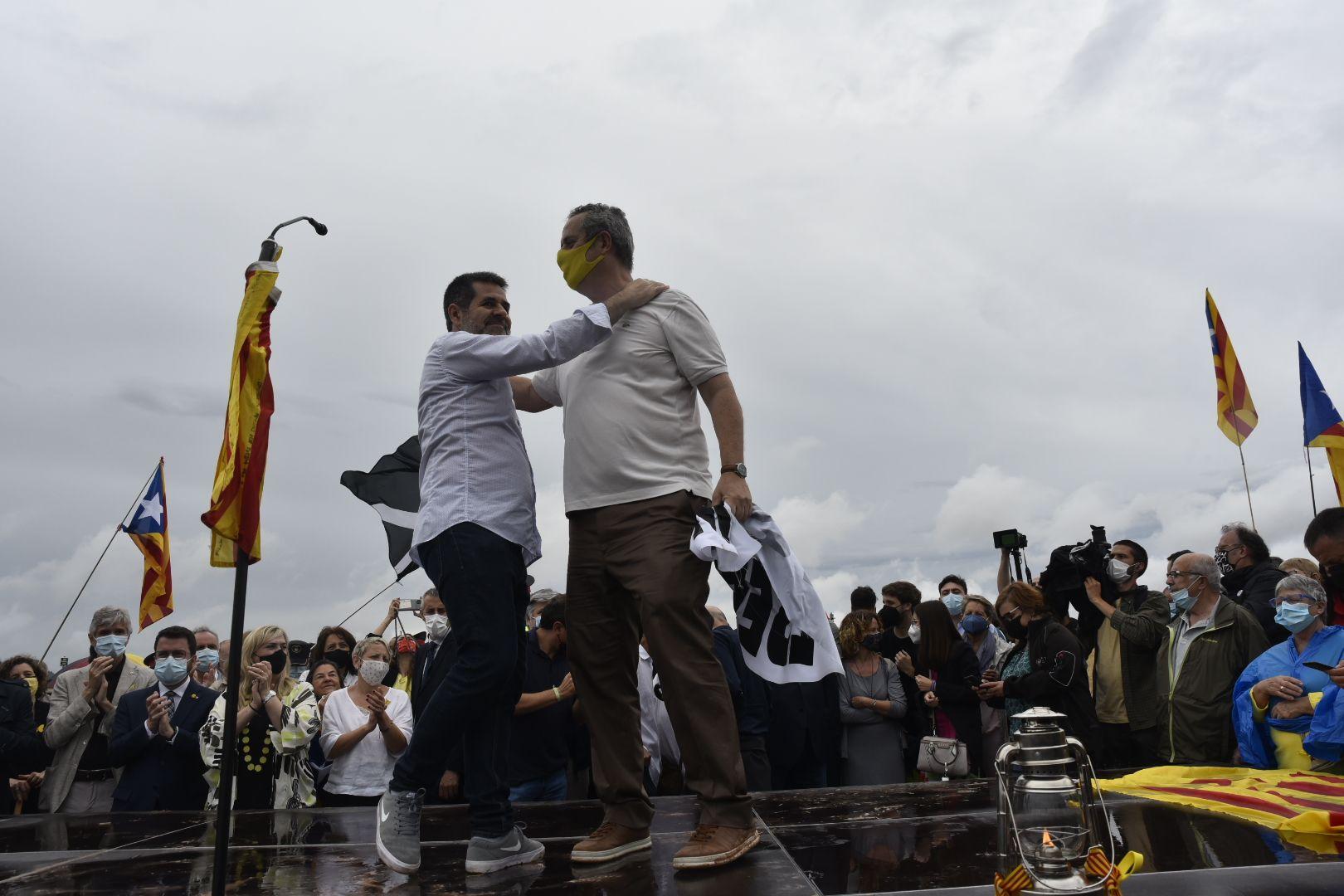 Sortida dels presos de Lledoners després de rebre l'indult