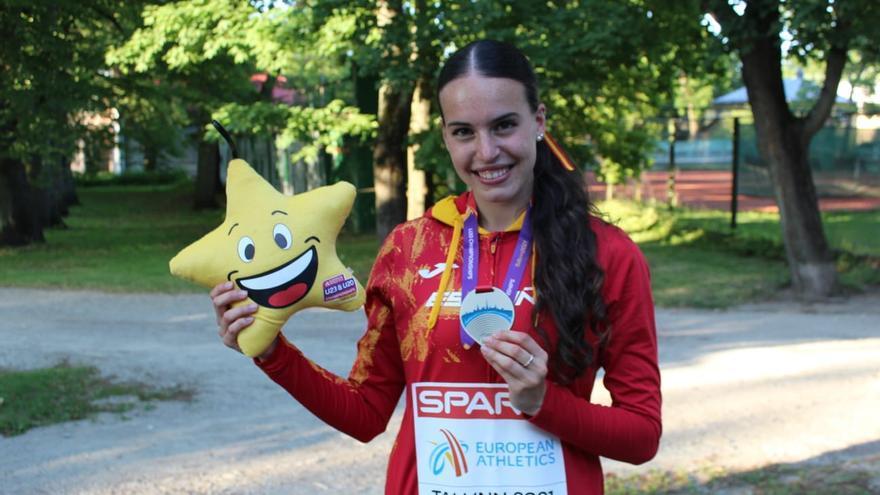 Carmen Avilés gana la plata europea con un relevo 4x400 que bate el récord de España