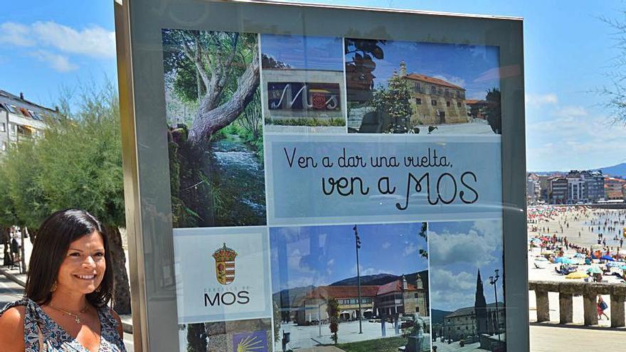 Mos promociona el municipio en Sanxenxo con motivo del fin de etapa de La Vuelta 21