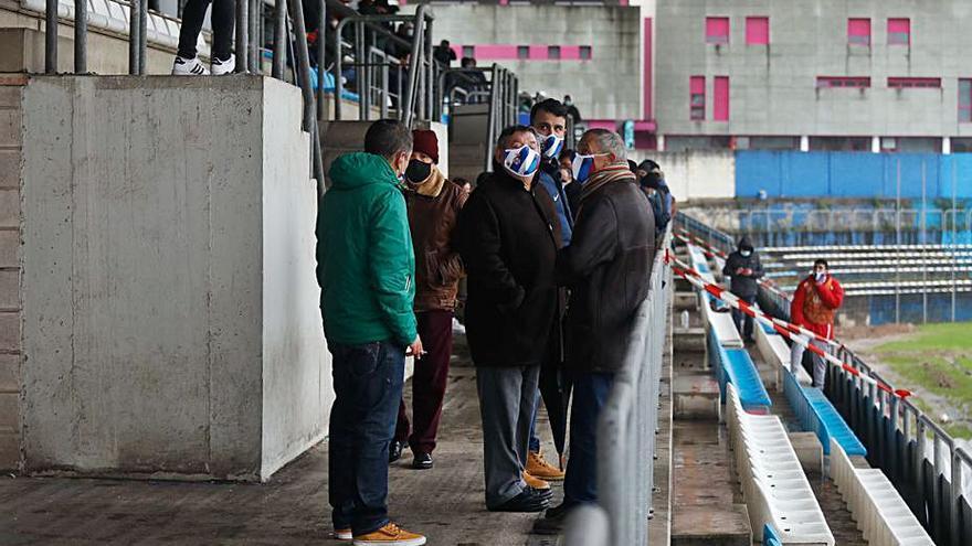 Real Avilés-Ceares: se aplaza el partido al descanso con victoria del equipo gijonés (0-1)