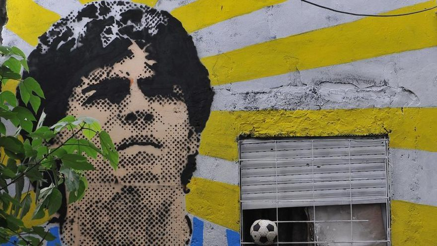 Imputan al médico de Maradona en la investigación sobre la muerte del futbolista