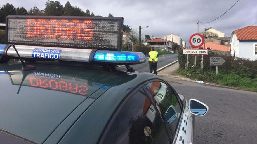 La Guardia Civil blinda la carretera de Betanzos a Melide para evitar accidentes